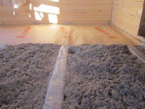 Восстановление теплоизоляции в доме эковатой